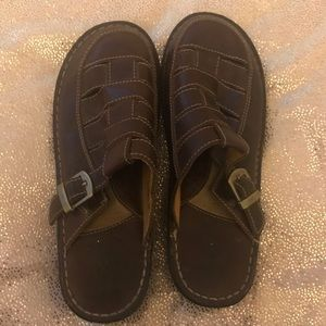 Born leather clogs size 10